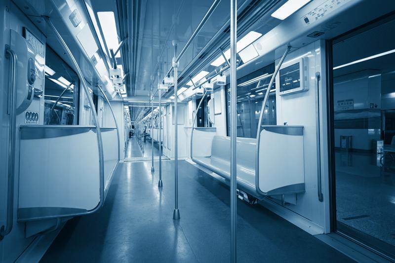 【売れる広告、販促の考え方】電車の中吊り広告で多い商品はなんでしょうか?