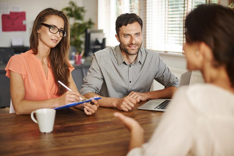 ホームページでお客様の信頼を得る「お客様インタビュー」のコツ